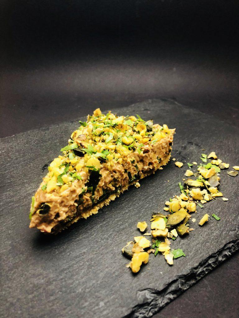 2. Crispy corn taco with fahita black beans, fresh avocado mousse and vegan coconut yellow cheese.