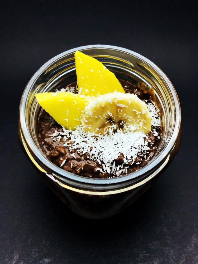 5. Щоколадов мус с белгийски шоколад, авокадо, банан, манго и кокос.
