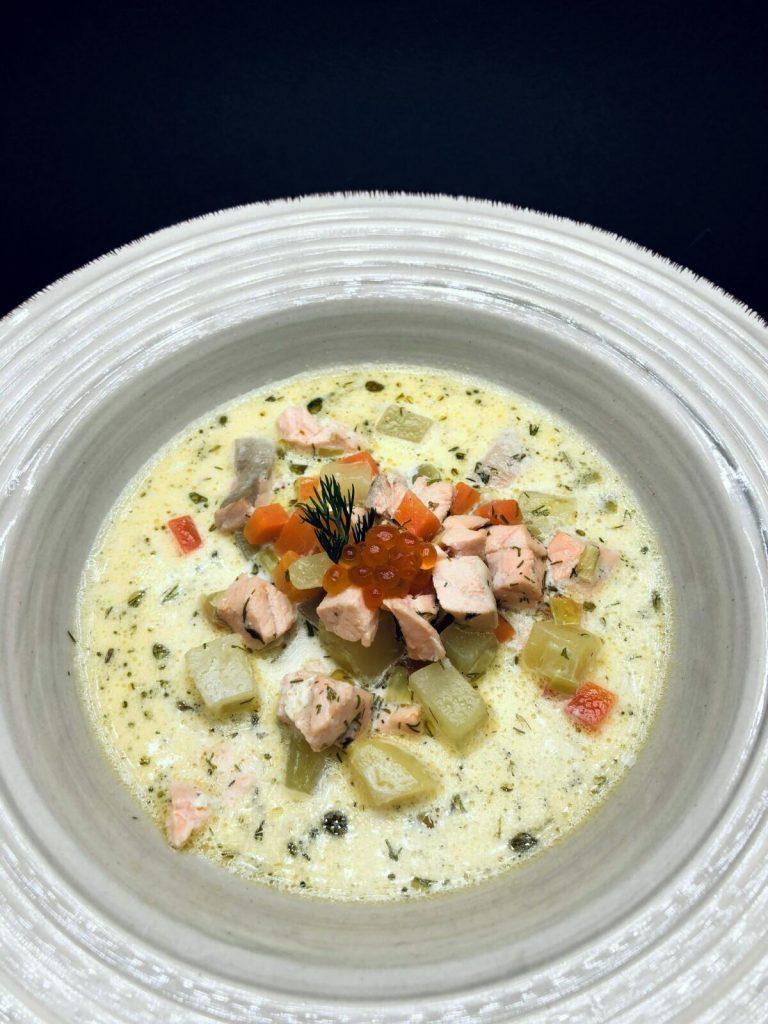 "3. Традиционна финладска супа ""Лохикейто"" със сьомга и перли от руски премиум хайвер от дива сьомга."